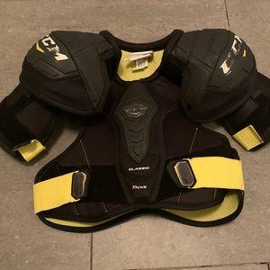 CCM Hockey Shoulder Pads